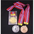 AMメダル-C型 φ75mmメダル プラケース入り V形リボン付き:大会の記念に1個から販売、金メダル・銀メダル・銅メダル、優勝メダル